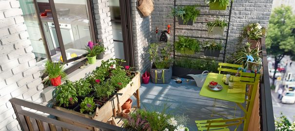 Am nager son balcon jardin urbain roses guillot for Bien decorer son appartement
